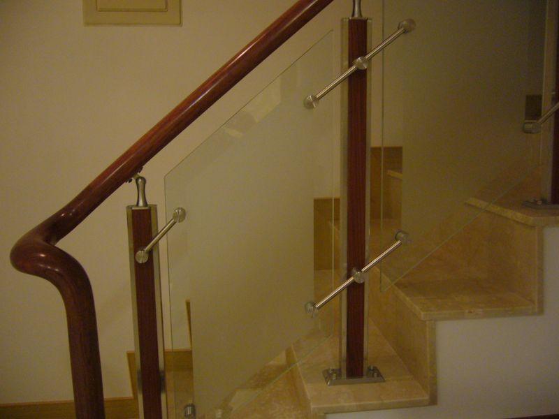 亿隆扶手行--实木楼梯扶手